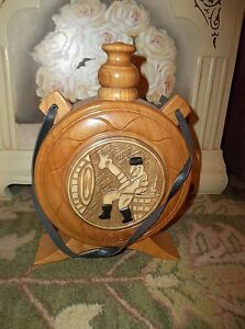 """Romanian: Lazar 10.5"""" x 7.5"""" x 2.5"""" HAND CARVED WOODEN CANTEEN  140601005"""