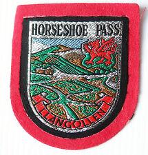 VINTAGE HORSESHOE PASS LLANGOLLEN EMBROIDERED SOUVENIR PATCH WOVEN CLOTH BADGE
