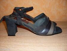 sommerliche Sandalette NEU Gr. 36 - 36,5 in marinefarbenem Nubukleder
