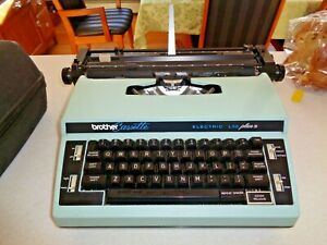 Brother Casette L10 Plus 3  Electric Blue Typewriter With Case tested working
