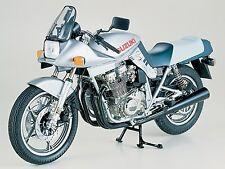 Tamiya 1/6 Suzuki GSX1100S Katana model kit # 16025