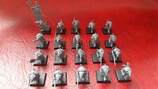 Warhammer ISLA DE SANGRE SKAVEN clanrat armas de mano x20 (plástico) sin pintar B