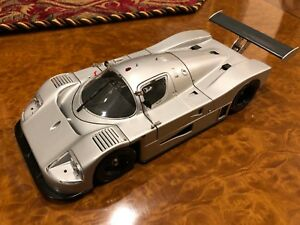 Exoto | FIRST SHOT | 1989 Sauber-Mercedes C9 | Scale 1:18 | RLG18190FS