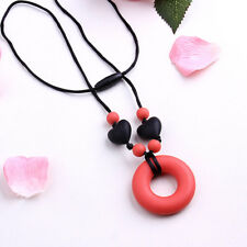 Silicone Teething Circle Pendant with Black Heart Nursing Jewelry Chain Necklace