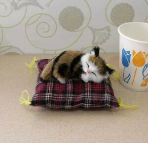 Doll House Accessories - 1 x Mini Black Brown & White Cat on a Cat Bed