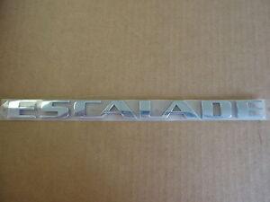 Cadillac Escalade Avant Porte Ou Hayon Chrome Plaque Emblème Neuf OEM