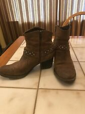 Born BOC Women's Slater Studded Western Ankle Boots Brown D08703 Sz 9.5 EU 41
