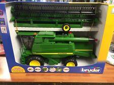 John Deere T670i Combine Bruder 02132 Toy Scale 1/16