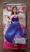 Una muñeca de moda de cuento de hadas Barbie Coleccionables con figura de perro pequeño vestido púrpura
