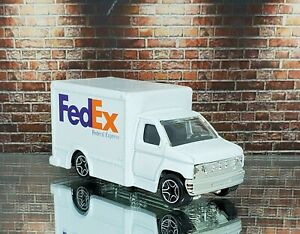 Fed Ex Special Delivery Truck 1/64 Matchbox like Hot Wheels Excellent Condition