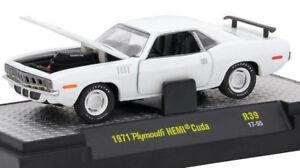 A L126 32600 39 M2 MACHINES DETROIT MUSCLE 1971 Plymouth HEMI Cuda  White 1:64