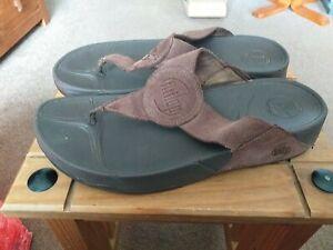 Fit Flop Ladies Toe Post sandals Size 41(uk7)brown Suede