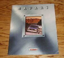 Original 1999 GMC Safari Sales Brochure 99