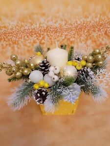 Christmas floral arrangement with candle, White, green and gold Christmas décor