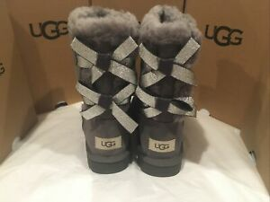 New in box UGG Bailey Bow II Grey Suede SHEEPSKIN BOOTS, size 6 women's