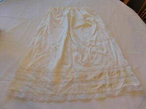 Sliperfection Women's Ladies Off White Slip Size 1X 33/35 Below Knee Length GUC