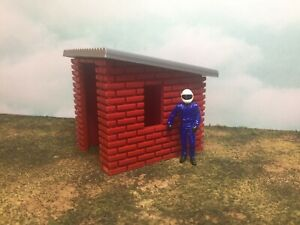 Garden or Storage Shed - Red Brick with Metallic Silver Roof - 1:32 - Easy Build