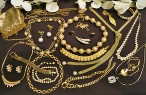 Vintage Mod Gold Tone Faux Pearls Earrings Necklaces '80s & 90s Lot OSCAR IVANA