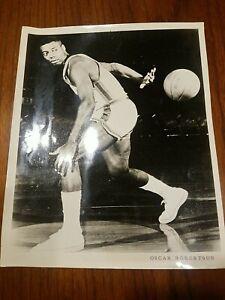 Vintage OSCAR ROBERTSON 8x10 Black White Press Photo Basketball Indianapolis NBA