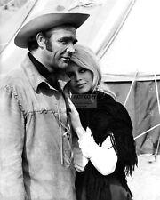 "SEAN CONNERY AND BRIGITTE BARDOT IN THE 1968 FILM ""SHALAKO"" - 8X10 PHOTO (DD231)"