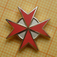 Masonic Lapel Pin Badge - KT Knights Templar - Red  Enamel - Cross Malta 15 mm