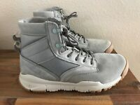 """Nike SFB 6"""" Leather NSW Special Field Boots Dust Pale Grey 862507-003 Size 11.5"""