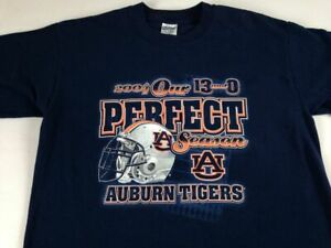 Auburn Tigers Perfect Season T-Shirt Adult Medium Football 2004 War Eagle 13-0