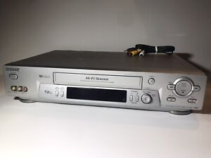 Sony VCR VHS 4 Head HiFi Stereo Video Cassette Recorder Player & AV SLV-N81