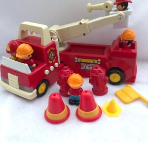 Buddy L Corporation BIG RIGS Fire Truck Play Set Lights Sound Figures