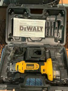 DeWalt DC550KA 18V Cordless Cut-Out Tool w/Case,battery,charger