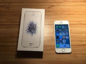 Apple iPhone SE - 32GB - Silver (Unlocked)