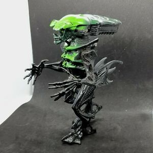 Aliens Movie Series 4 King Alien Vintage Action Figure Kenner 1995