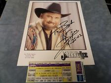 """THE URBAN COWBOY JOHNNY LEE HAND SIGNED 8"""" X 10"""" PHOTO & CONCERT TICKET **COA**"""