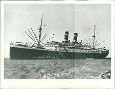 """1939 World War II Dutch Ship """"Simon Bolivar"""" Original News Service Photo"""