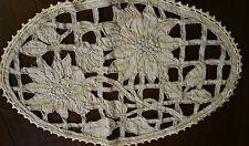 joli napperon oval ancien  ,n°220, Richelieu, edelweiss , lin ,dessus de coussin