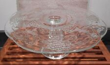 VINTAGE GLASS CAKE PLATE / STAND GRAPES & LEAVES DESIGN SCALLOPED EDGE