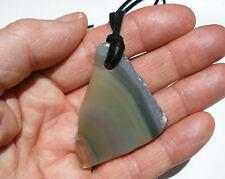 VERDE A FASCE Agate Geode Slice Gemstone ciondolo grande su Nero Collana Corda