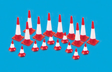 Modelscene 5008 Traffic Cones (large & small) OO Gauge