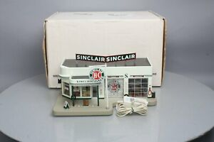 Danbury Mint Sinclair Service Station with Clock NIB
