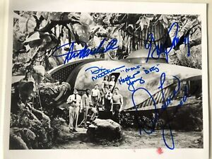CAST SIGNED PHOTO LAND OF THE GIANTS AUTOGRAPHED X 5