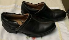 Womens B.O.C  Leather Slip On Clogs Size 8.5us