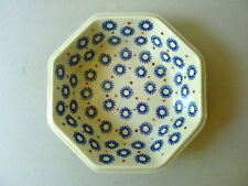 beau plat creux octogonal, en céramique, en grès, signé Heise, blanc/bleu