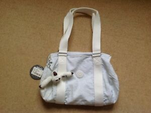 New With Tags Kipling 'Robin' Bag in the shade of White - Lining Slightly Torn