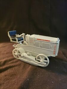 1:16 NORSCOT CATERPILLER 2 Ton Tractor Great Condition!