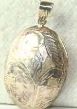 1980'S VINTAGE ETCHED STERLING SILVER PUFFY OVAL LOCKET FOR A NECKLACE