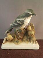 Vintage  Lefton China Shrike KW864 bird porcelain figurine with Label