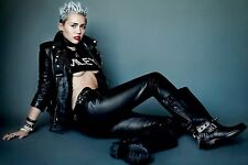 MILEY CYRUS SEXY POSE POSTER WRECKING BALL TWERKING BANGERZ