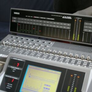 Yamaha 02R V2 Digitalmischpult (Meterbridge, 8x8 ADAT, RME Hammerfall DSP 9632)