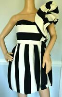 $5,400 VALENTINO Striped One Shoulder Ruffle Wool Cocktail Dress US 2 4 / IT 40