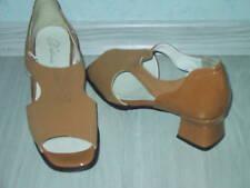Hingucker Damen / Mädchen Halbschuh Sandalette NEU Gr. 3,5 36 G in camel & Lack